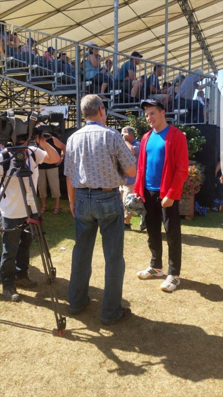 2 SRF Interview Am Eidgenossischen Nachwuchsschwingerttag 2015