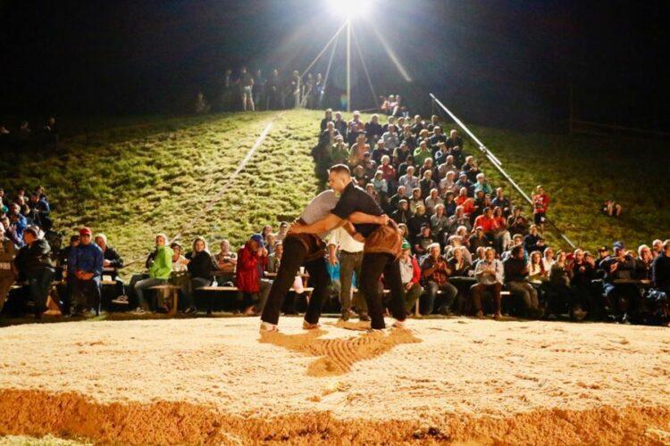 35 Schlussgang Am Abendschwinget Fankhaus Gegen Thomas Sempach Foto Barbara Loosli