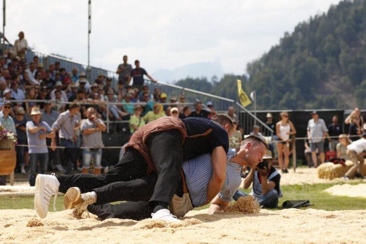 38 Sieg Gegen Wenger Kilian An Oberlandischem Schwingfest 2019 Foto Barbara Loosli