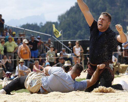 39 Sieg Gegen Schwingerkonig Kilian Wenger Am Oberlandischen Schwingfest In Interlaken Bild Barbara Loosli